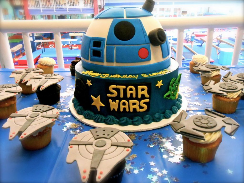 Star Wars themed dessert table